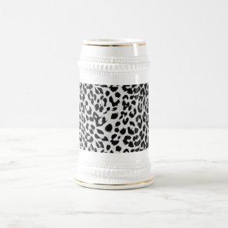 Leopard's texture (black & white) mug