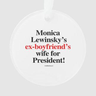 L'épouse des ex-amis de Monica pour le président