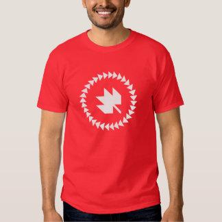 Les Canadiens des hommes au T-shirt de QuiltCon -