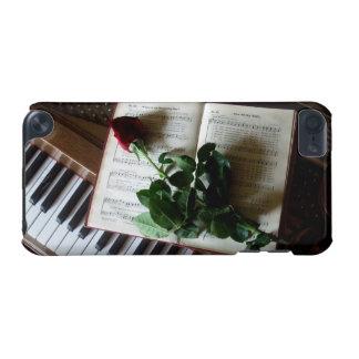 Les clés de piano, cahier de musique et se sont le coque iPod touch 5G