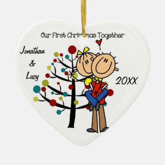 Les couples dans le premier Noël d'amour Ornement Cœur En Céramique