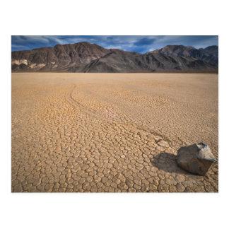 Les Etats-Unis, Death Valley, roche sur Playa Carte Postale