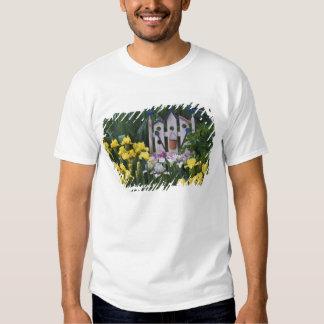 Les Etats-Unis, Pennsylvanie. Les iris de jardin Tee Shirt