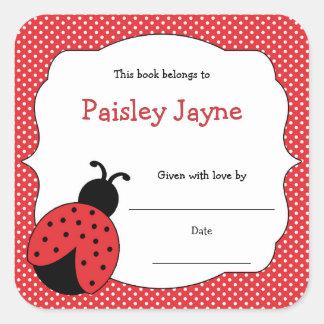 Les ex-libris rouges de coccinelle/apportent un sticker carré