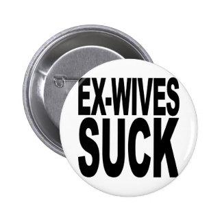 Les exs-femmes sucent badges avec agrafe