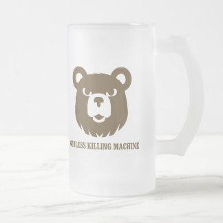 les machines athée de massacre d'ours câlinent le mug en verre givré