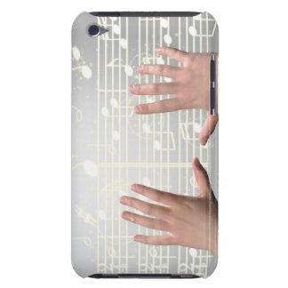 Les mains de la femme coque iPod touch