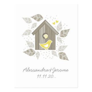 les oiseaux jaunes partent à la maison d'une note cartes postales