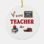 Les professeurs le font avec la classe ornement de noël