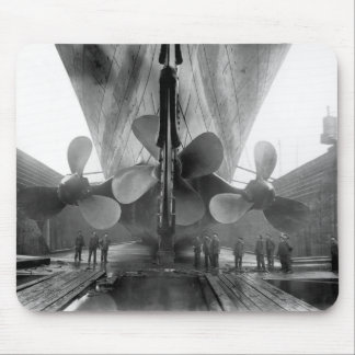 Les propulseurs de Titanic Tapis De Souris