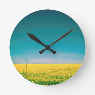Let's go wait out in the fields round clock