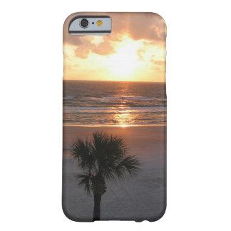 Lever de soleil au cas de l'iPhone 6 de plage