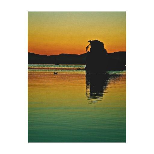 Lever de soleil aux beaux-arts mono de lac sur la  impressions sur toile