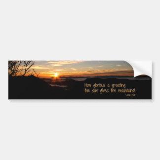 Lever de soleil fumeux de Mtn/combien glorieux… J Autocollant De Voiture
