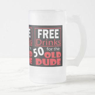 Libérez les boissons pour le type d'anniversaire frosted glass beer mug
