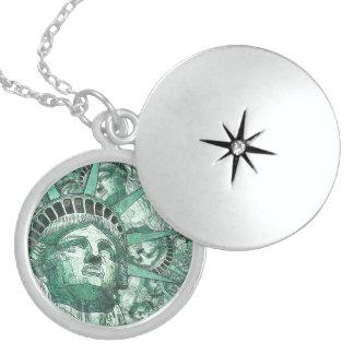 Liberty 20161102 locket necklace