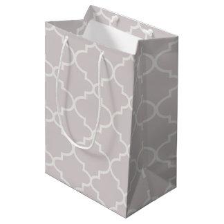 Light Silver Moroccan Quatrefoil Pattern Gift Bag