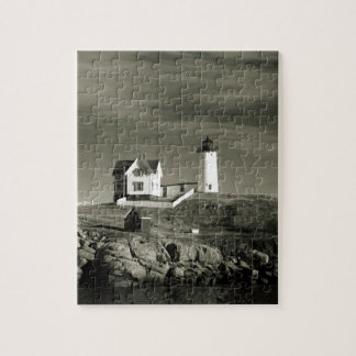 Lighthouse in Maine Jigsaw Puzzle