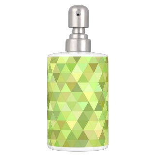 Lime triangles bath sets