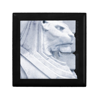 Lion statue in Nottingham Gift Box