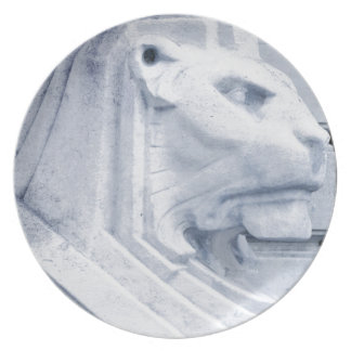 Lion statue in Nottingham Party Plate