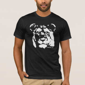 Lioness Spray Paint Design T-Shirt