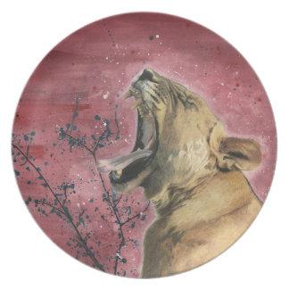 Lioness Yawn Plate