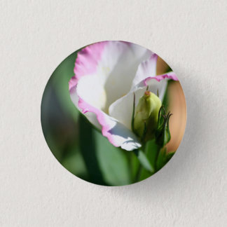 Lisianthus Bud pin