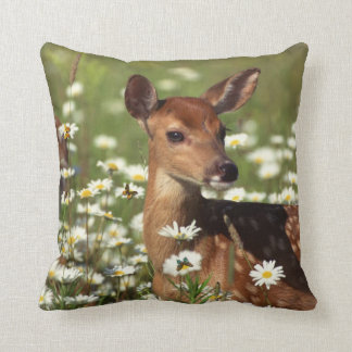 Little Deer In The Daisy Meadow. Throw Pillow