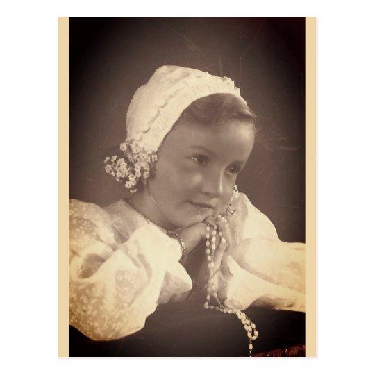 little girl doing her communion (Belgium) 2 Postcard