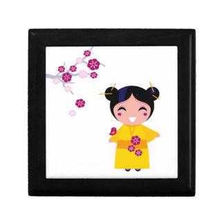 Little yellow Geisha on white Gift Box