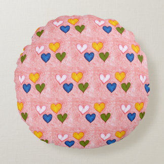 Live hearts round pillow