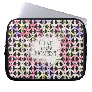 Live in the Moment criss cross pink mauve black Laptop Sleeve