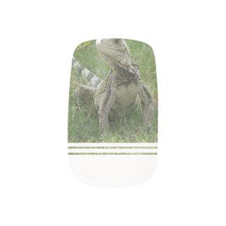 lizard-4.jpg minx nail art