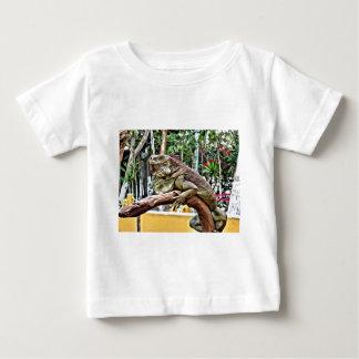 Lizard on a branch baby T-Shirt