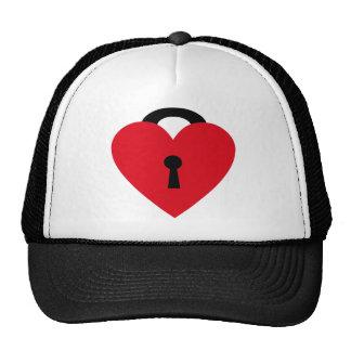 locked heart mesh hat
