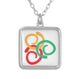 Logo de couleur colliers