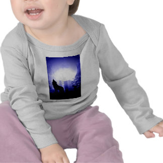 Lonely Wolf Howling at Moon T-shirts