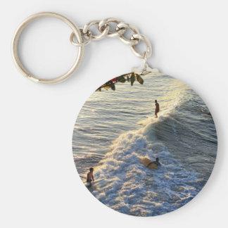 Longboard surfing scenic tropical beach wave keychain