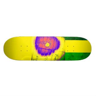 LooneySkull- Grunge: Focus Custom Skateboard