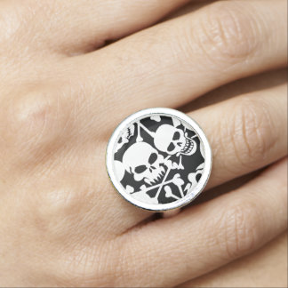 Lots of skulls ring