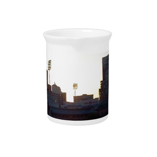 """LOUISVILLE, KENTUCKY CITY SKYLIN""E DRINK PITCHER"" PITCHER"