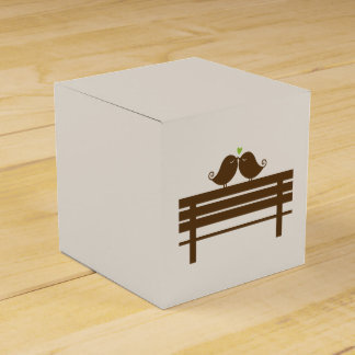 Love Birds on Park Bench {green} Wedding Favor Box