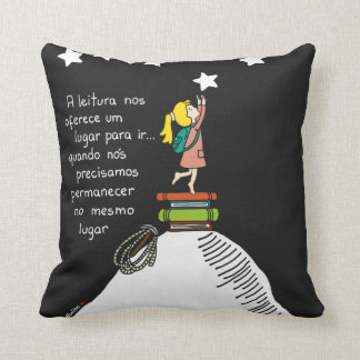 Love for the reading - it almofada throw pillow