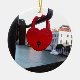love lock in venice round ceramic ornament