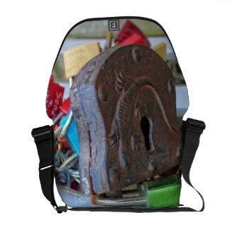 Love locks (Liebesschlösser) Courier Bag
