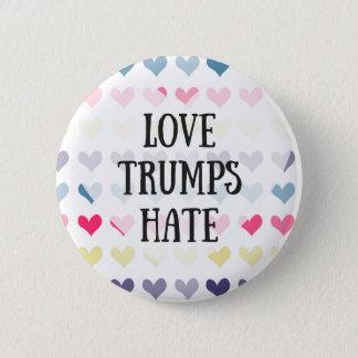 Love trumps hate (button) 2 inch round button