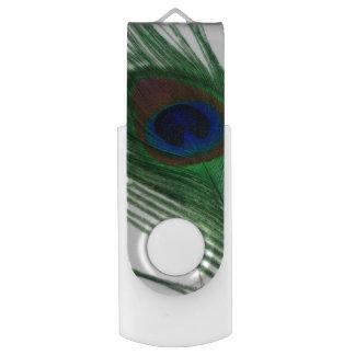 Lovely White Peacock Swivel USB 2.0 Flash Drive