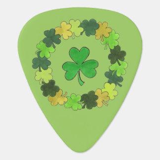 Lucky Green Irish Shamrock Clover Wreath Gift Guitar Pick