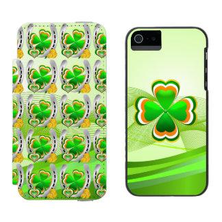 Lucky horseshoe incipio watson™ iPhone 5 wallet case